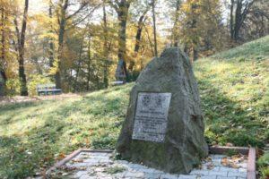 pomnik 005